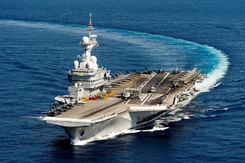 Porte-avions_Charles_de_Gaulle_-_Crédit_Marine_Nationale